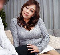 エロケバい五十路熟女が娘の夫に股がり狂ったように高速腰振りグラインドで激痙攣イキまくり!近藤郁美