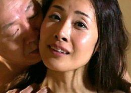 夫に覗かれながら巨根他人棒で寝取られ激痙攣イキまくる黒乳首の美人妻!森下美緒