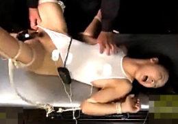 電流棒をアナルに突っ込まれ白目剥いてマジイキ激痙攣する女子大生!あやね遥菜