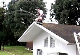 激ヤバ!媚薬トランスした制服JKが屋根の上で大量潮吹き痙攣オナニー!宮崎あや