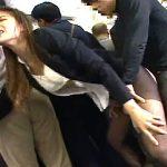 パンスト美脚のOL・女子大生が電車の中で媚薬バイブ漬けにされ潮吹きガクガク痙攣イカされまくる!