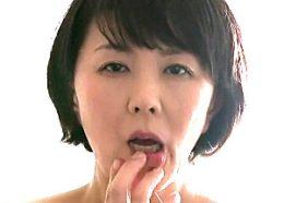旦那の目の前で寝取られる背徳感に興奮して何度も絶頂する熟女人妻!円城ひとみ
