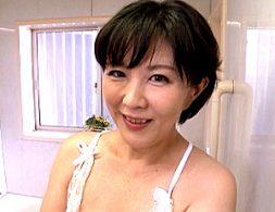 ドスケベな義母が夫の連れ子を襲い童貞チンポでガクガク痙攣イキまくり!円城ひとみ