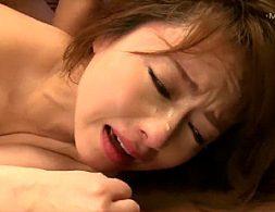 催眠媚薬でエビ反り激痙攣イカされまくり汗だくでマジ泣きする美女!吉沢明歩