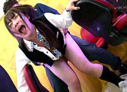 パチンコ店の新人店員が凌辱されガクガク激痙攣イカされまくる!坂井亜美