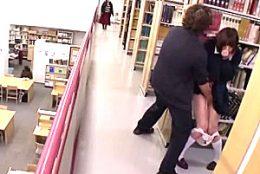 内気な黒髪JKが図書館で凌辱され手マン潮吹き足ガク痙攣!かなで自由