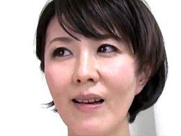 夫の部下を誘惑するドスケベ熟女が中出しでガクガク痙攣イキ!円城ひとみ