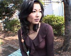 妖艶な美熟女がナンパエッチでヘロヘロになってマジイキ連発!浅宮ゆかり