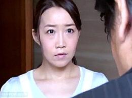 夫の部下に抱かれ巨根で汗だくエビ反り痙攣イキまくる熟妻!桐島美奈子