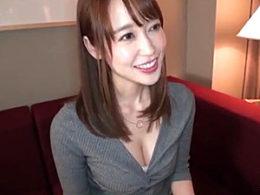 舞ワイフ!結婚3年目の色っぽい専業主婦がピンク乳首の巨乳を揺らし浮気エッチ!篠田ゆう