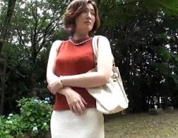 大量の母乳噴射するセレブ美人妻!徹底的にドM調教され潮吹きアヘ顔大絶叫!本庄優花