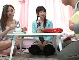 女子大生が友達の父親に媚薬を飲まされキメセク!高速腰振りグラインドでガクガク痙攣イキまくり!羽月希