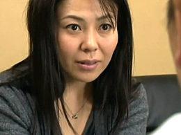 Gカップ巨乳の独身美熟女がパートの休憩時間に店長に抱かれ足ガク痙攣イキ!三咲恭子
