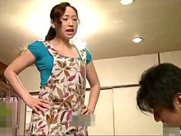 夫に隠れ昼間から乱交部屋で潮吹きストレス発散する専業主婦!若菜あゆみ
