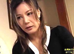 スタイル抜群の高身長義母が娘婿に中出しされアヘ顔でビクビク痙攣イキ!藤沢未央