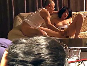 酔いつぶれた旦那の前で元彼に寝取られガクガク痙攣イカされまくる美人妻!谷原希美