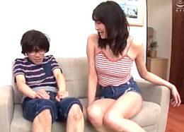 180cm長身お姉ちゃんが弟の同級生の童貞チンポを使い逆正常位で中出しエッチ!名森さえ