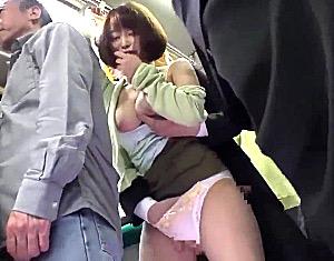 満員バスで痴漢に興奮した買い物帰りのロケット巨乳人妻が生ハメH!篠田ゆう
