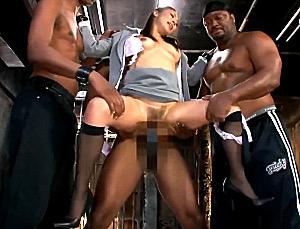 黒人3人に巨根で串刺しにされ中出し陵辱された熟女社長!五十嵐しのぶ