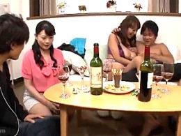 主婦友合コンに参加した真面目な美熟女が若い男に抱かれ激痙攣イカされまくる!三浦恵理子