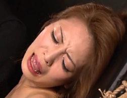 性格悪いクソ生意気な美女が電動ドリルバイブでマジ泣きしながらビクビク痙攣イカされまくる!坂下えみり