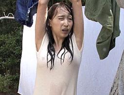 ゲリラ豪雨でビショ濡れのマキシワンピ人妻が旦那の友人に寝取られガクガク痙攣イカされまくる!蓮実クレア