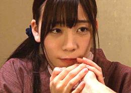 里帰りで幼馴染と浮気する若妻が噴水ハメ潮吹き痙攣イキまくり!富田優衣