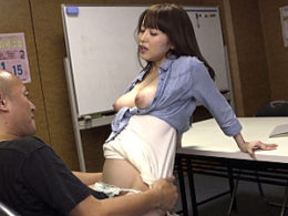Tバックが透けたマキシワンピ姿の巨乳人妻が町内会でオヤジに突かれビクビク痙攣イキまくり!篠田ゆう