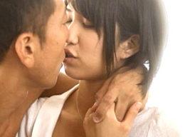 「チンポ気持ちいい〜」ショートカットの純情美女を狂わせた巨根セックス!湊莉久