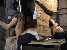 亡き夫の仏壇の前で若い男に抱かれ絶頂する欲求不満の未亡人!葵紫穂