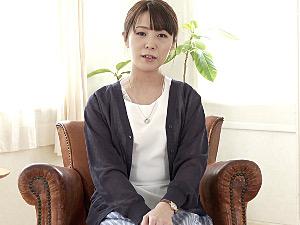 小柄なごく普通の人妻が初撮りエッチでパンティにシミを作り潮吹きビクビク痙攣イキまくり!藤沢美沙希