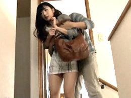 気取った現役女子大生の家庭教師が生徒に陵辱され中出し痙攣!