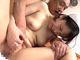 ピタパン尻のナースが入院患者に突かれエビ反り痙攣マジイキまくる!