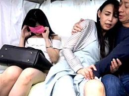 美魔女母と敏感娘が親子丼ナンパHで同時イキまくり!烏丸まどか・永井みひな