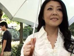 「母さんの感じてる姿もっと見て〜」息子の前で痙攣マジイキまくる五十路母!島田響子
