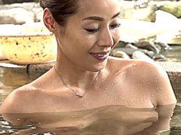 黒乳首で美人の義母が温泉旅行で娘婿に抱かれガクガク激痙攣イキまくり!森下美緒