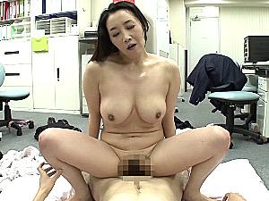 巨乳熟女OLが旦那に隠れて会社で浮気しまくりガクガク激痙攣マジイキまくり!桐島美奈子