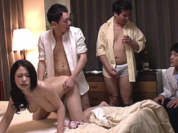 お椀型巨乳の人妻が旦那の前で上司達に寝取られビクビク痙攣イキまくり!綾瀬みなみ