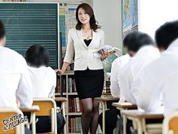 四十路パイパンの熟女教師が浮気相手の男子生徒に翻弄され学校内で潮吹き痙攣マジイカされまくる!里崎愛佳