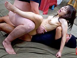 パンティ固定の2穴バイブ漬けにされ2穴同時挿入で精子漬けにされる女子大生とOL!