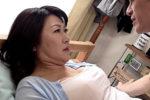 夫の連れ子にハードピストンされ痙攣イキするドスケベ義母!安立ゆうこ