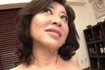 垂れ乳高齢熟女が初撮りで汗だくになって瞳孔開きまくり中出し痙攣