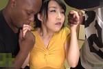 黒人留学生と3P連続中出しで汗だく激痙攣イキまくるビッチ熟女!桐島美奈子